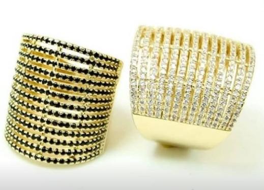 Anéis Banhados a Ouro e Cravejados