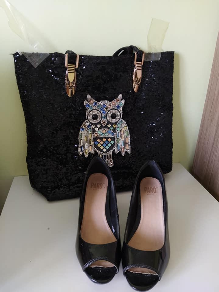 Sapato preto aberto